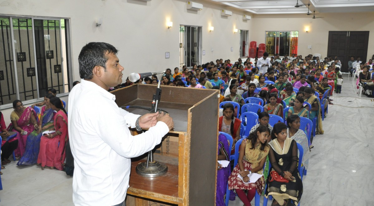 Mr. Ashok Mandre, President of SJKS, Discussing with women
